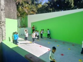 Squash Para Todos at their new outdoor court in partnership with a local school