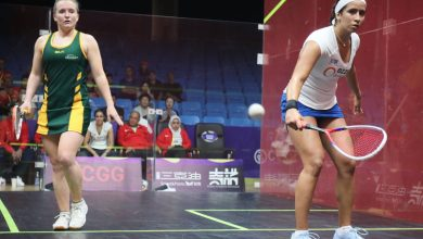 Nouran Gohar takes on Sarah Cardwell during the 2018 WSF Women's World Team Squash Championship
