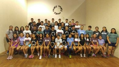 A group photo of juniors from the Squash Para Todos programme
