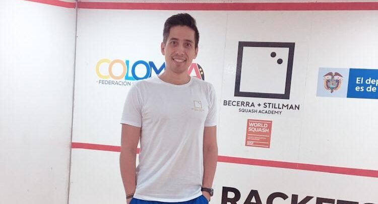 Diego Becerra on court in Colombia