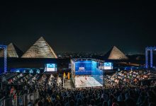 Squash in front of the Great Pyramid of Giza
