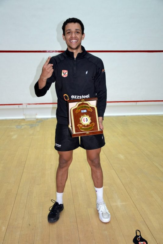 Mostafa Asal with the trophy